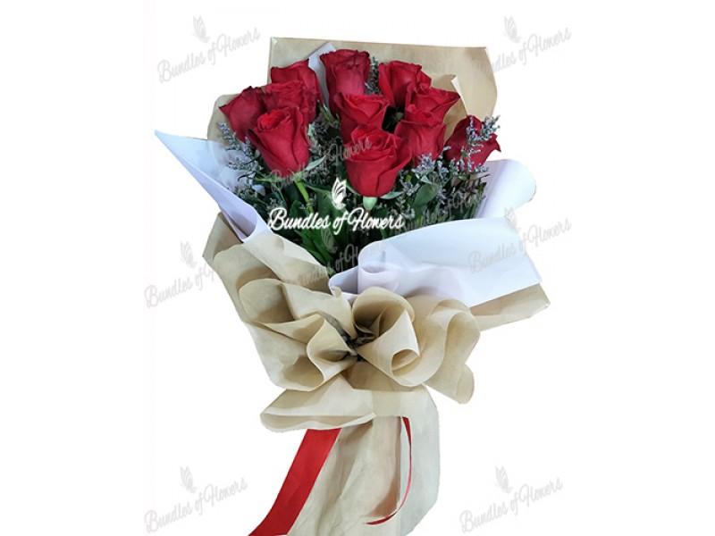 12 Ecuadorian Roses Bouquet