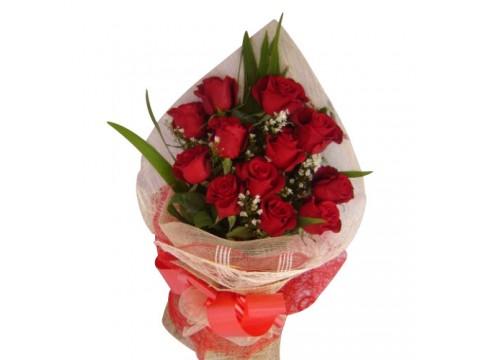 VAL 12 Ecuadorian Red Roses