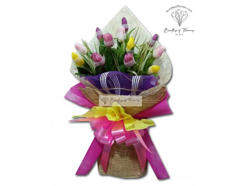 12 Mixed Tulips Bouquet