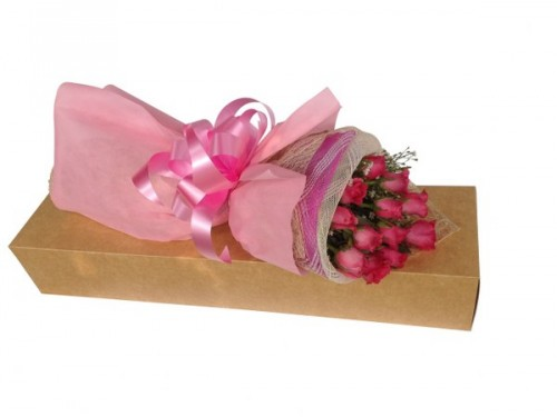 12 Pink Roses Boxed