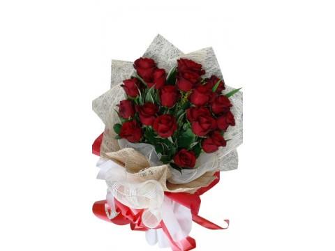 18 Ecuadorian Red Roses
