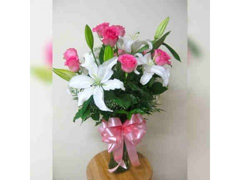 Pink Roses with Casablanca Vase 01