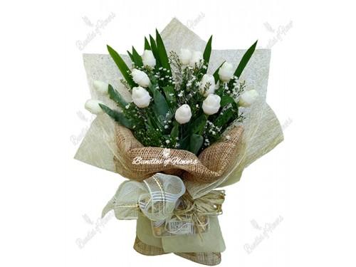 12 white Tulips with choco